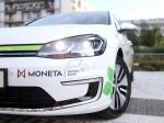 Moneta Money Bank buduje vlastní síť veřejných dobíječek. Sama má již 40 elektromobilů