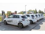 Dvanáct Renaultů Zoe nabíjela trojice dobíječek ČEZ