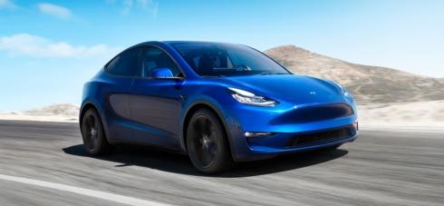 Tesla představila Model Y: až 482 km dojezdu i obrovský zavazadlový...